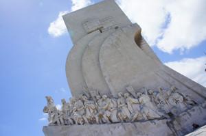 Monument_left